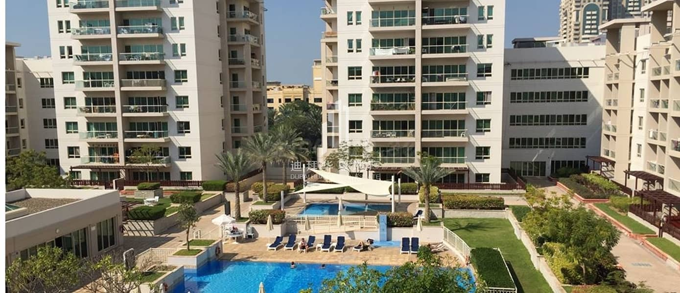 10 Fully Furnished   Vacant 1BR   with Balcony