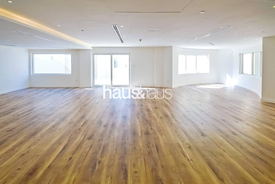 Penthouse | Vacant | Luxurious Upgrades