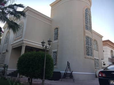 4 Bedroom Villa for Sale in Al Goaz, Sharjah - Villa with 4 bedrooms for sale wit all master room,wardrobes dinning and living Room