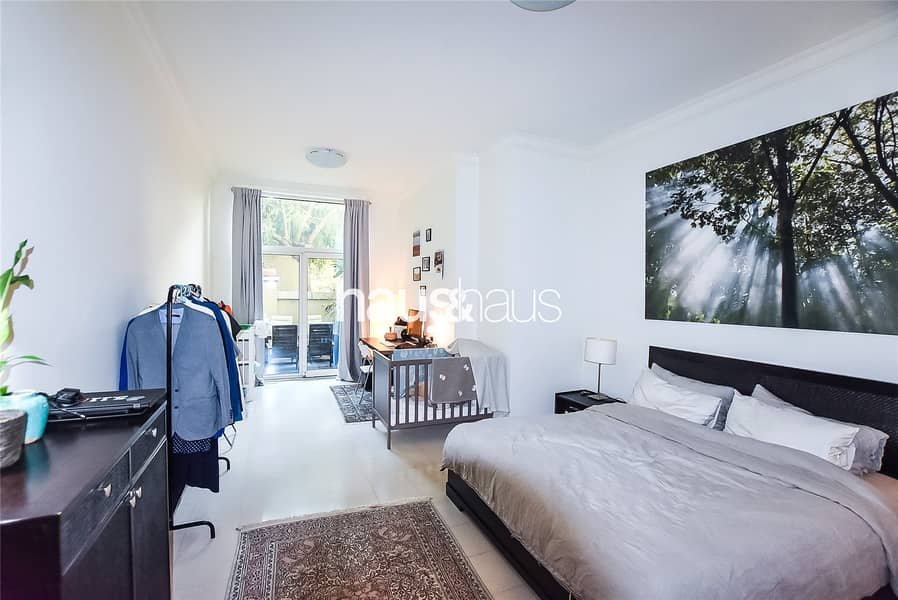 2 Large 1 Bed + Study with Private Garden| Rented