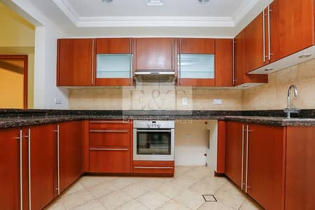 3 Bedroom Townhouse for Rent in Palm Jumeirah, Dubai -  Pool/Gym