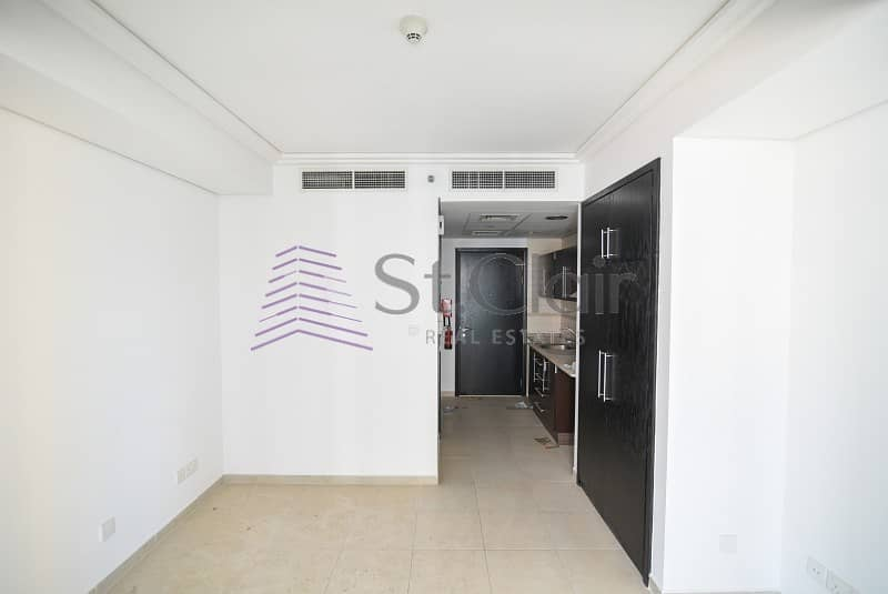 2 Fully Furnished Studio|w/ Parking|Mid Floor