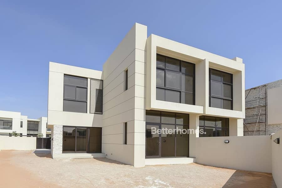 2 Single Row | Brand New | 4 Beds | Close to Pool