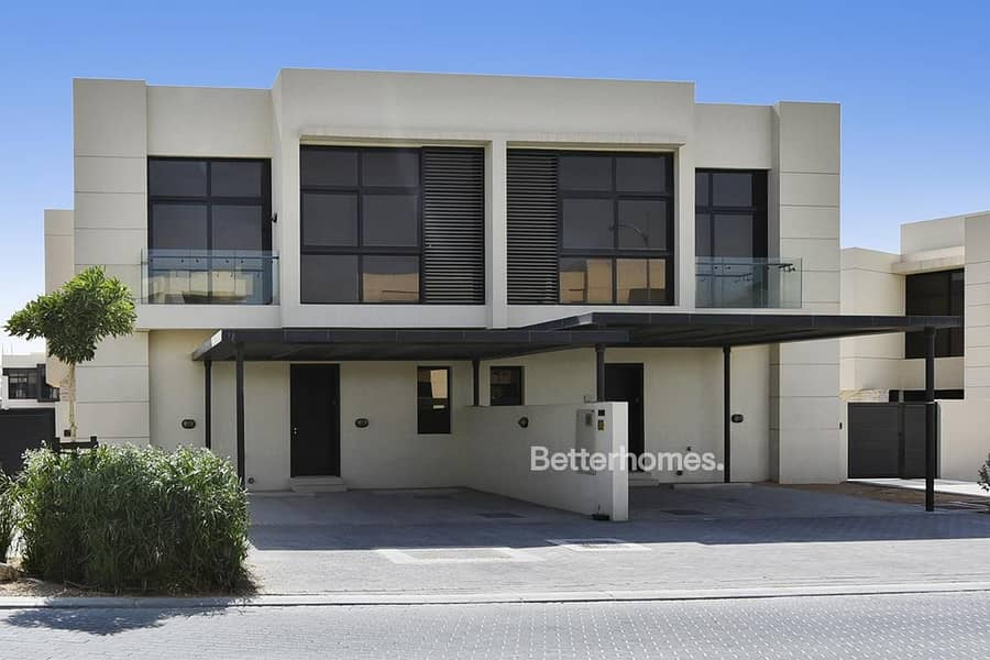 18 Single Row | Brand New | 4 Beds | Close to Pool