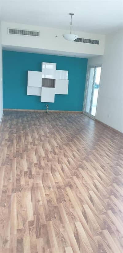 2 Bedroom Apartment for Rent in Dubai Sports City, Dubai - 2bhk apartment | Wooden Floor | Chiller Free | Huge Size