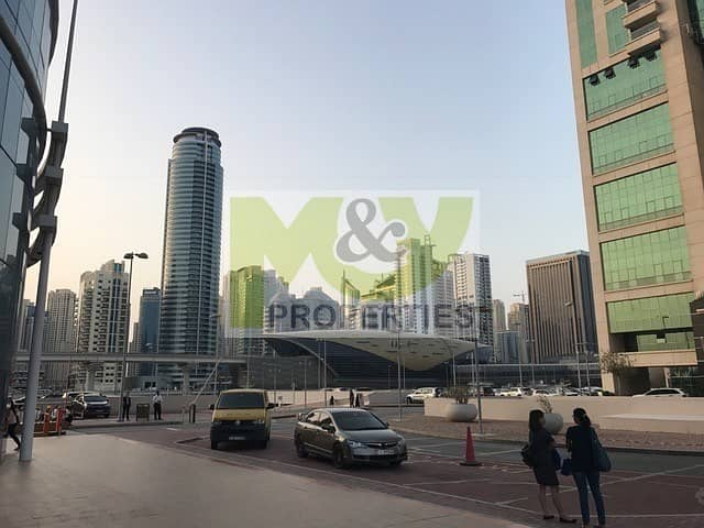 13 Fully furnished high floor office next to Metro station