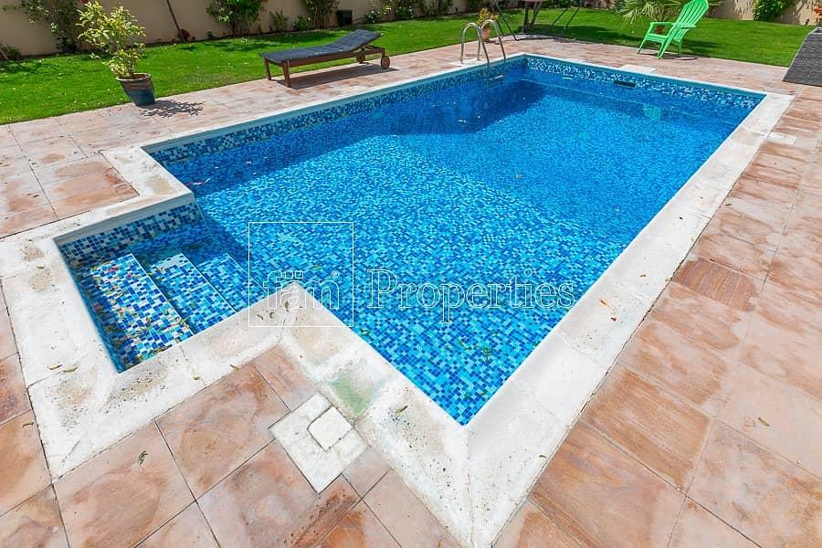 12 Vacant 5BR Mazaya B2 | Pool & Huge Plot!