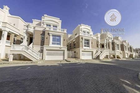 4 Bedroom Villa for Sale in Khalifa City A, Abu Dhabi - OUtstanding 4 B.R Villa in Khalifa City.