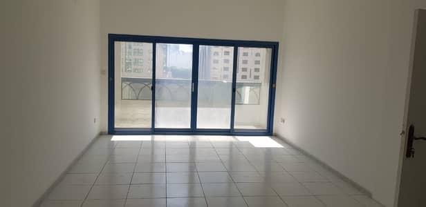 شقة في المجاز 3 غرف 50000 درهم - 3916149