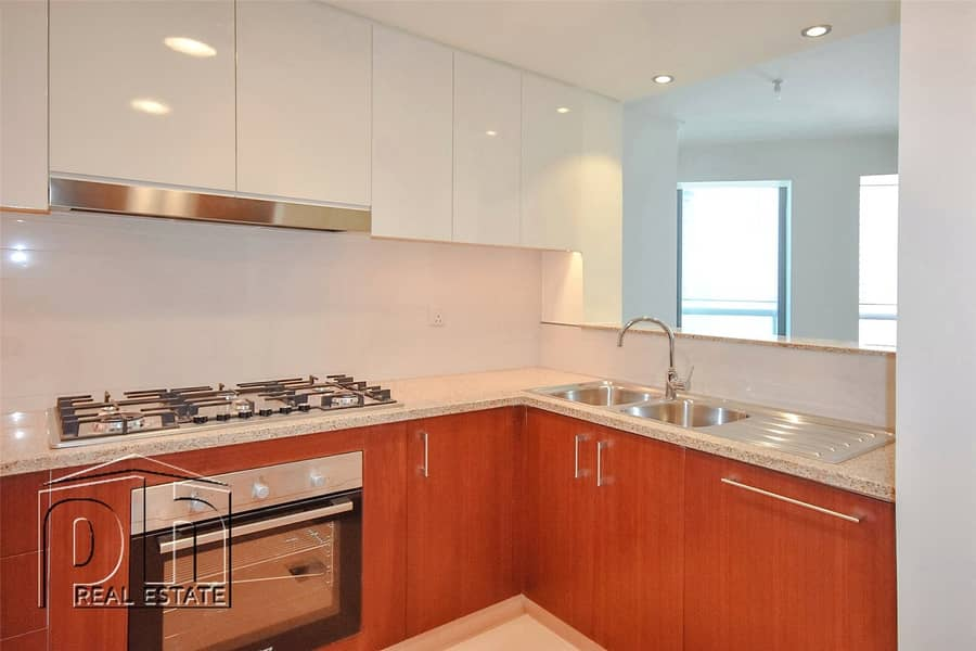 2 Spacious 3 Bed with Maid's Room Burj Vista