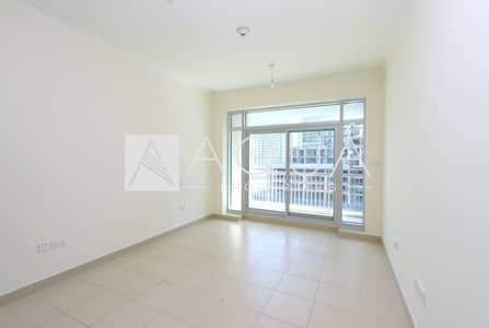 1 Bedroom Flat for Rent in Downtown Dubai, Dubai - 1BR Square shape | Spacious| Well Priced