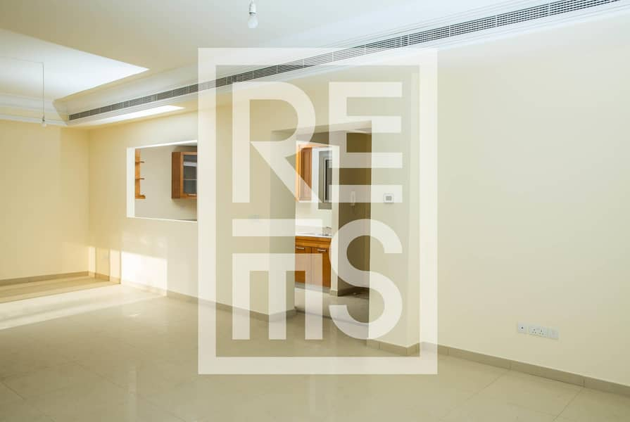 2 3BR Townhouse with Lush Green Golf Course View
