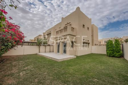 4 Bedroom Villa for Rent in The Lakes, Dubai - Maintenance Included - Single Row - Fully Upgraded