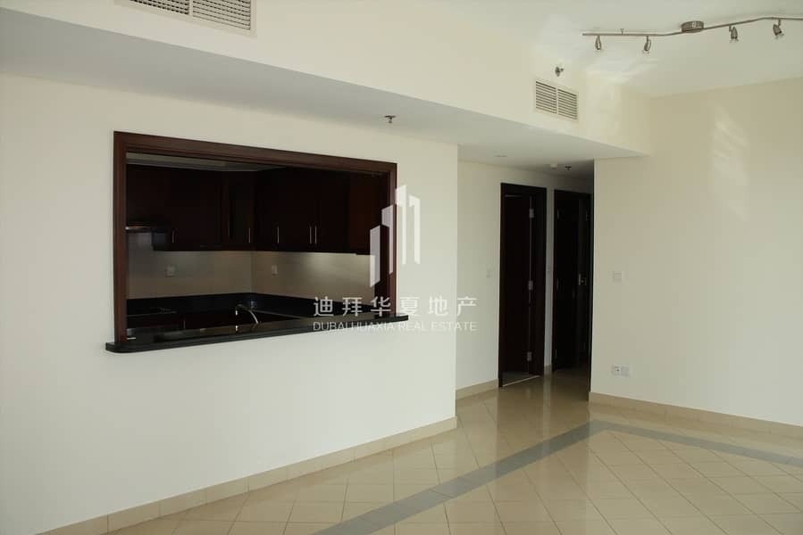 2 Spacious 2BR | Pool View | Kitchen Equipped