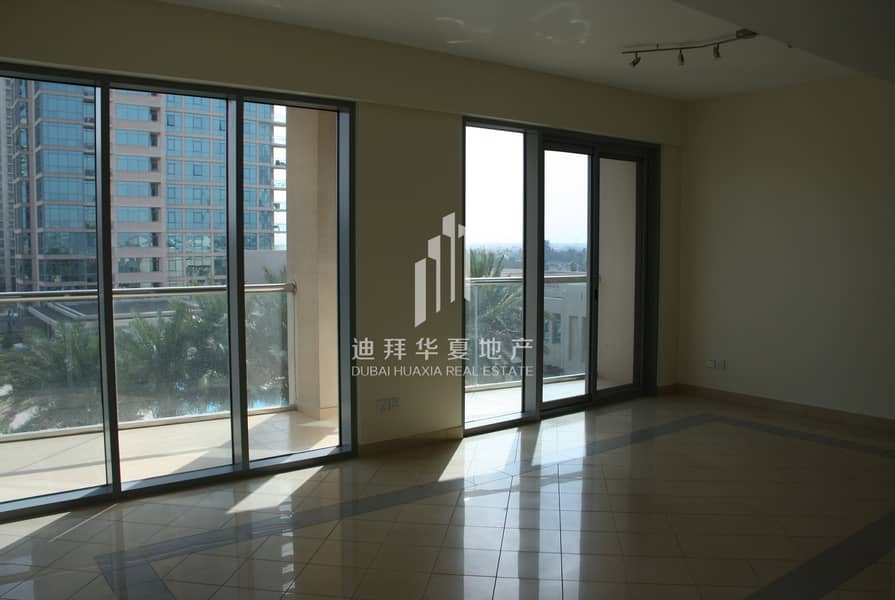 Spacious 2BR | Pool View | Kitchen Equipped