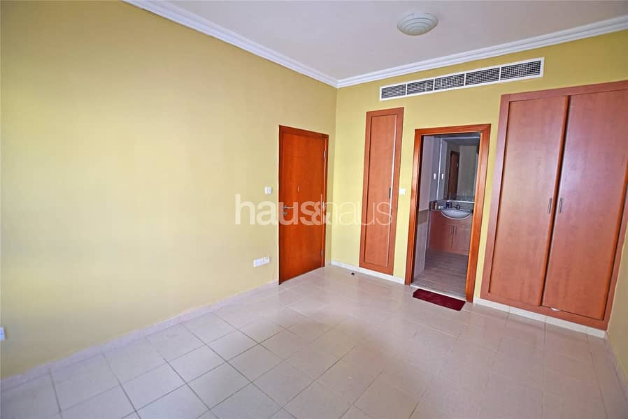 2 20th April | Garden View | Central Location |