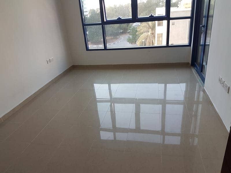 شقة في كورنيش الخالدية الخالدية 2 غرف 68000 درهم - 3009972