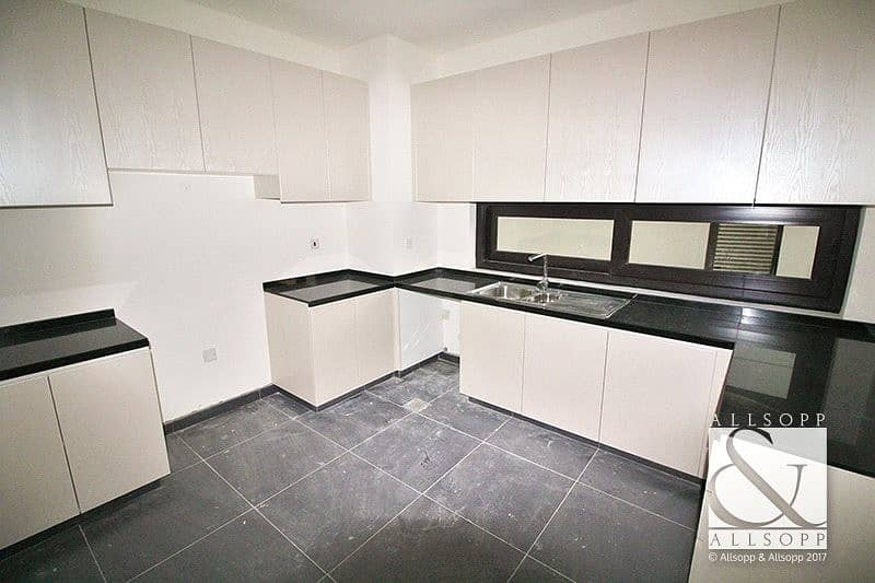 2 Vacant | Maids Room | End Unit | 3 Bed