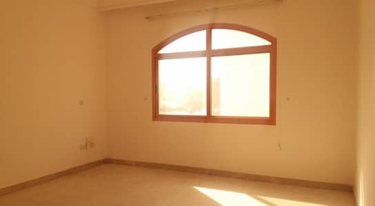 1 Bedroom Apartment for Rent in Diplomatic Area, Abu Dhabi - 1 bedroom in side compound with tawteeq no commission fee parking with permit