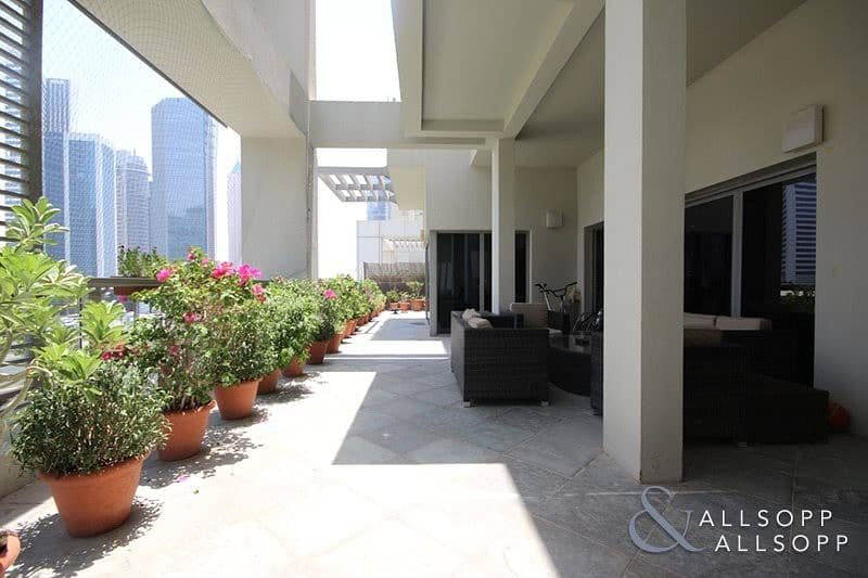 10 Four Bed | Podium Villa | Bay Avenue View