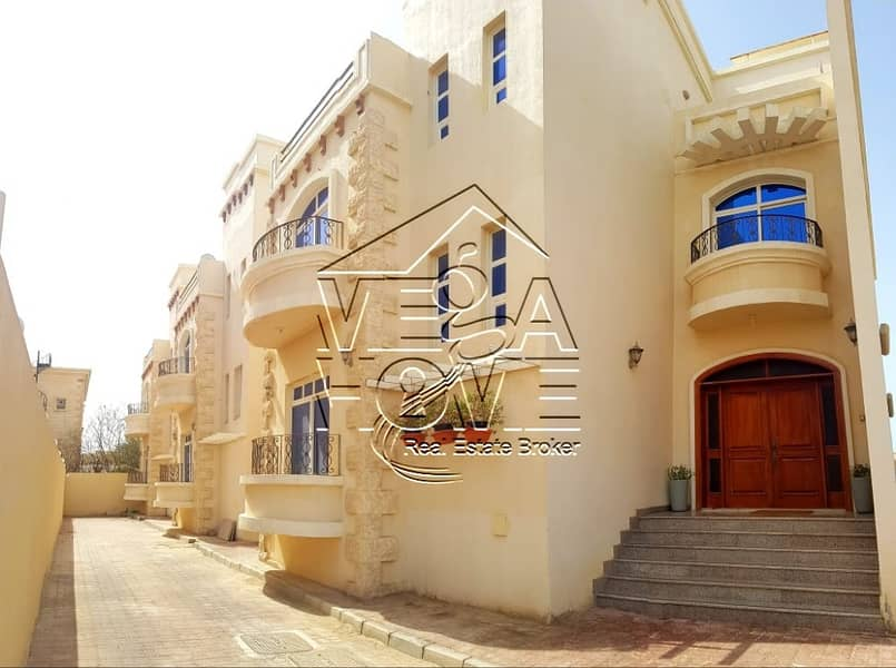URGENT RENT!! 4 BEDROOM VILLA IN COMPOUND