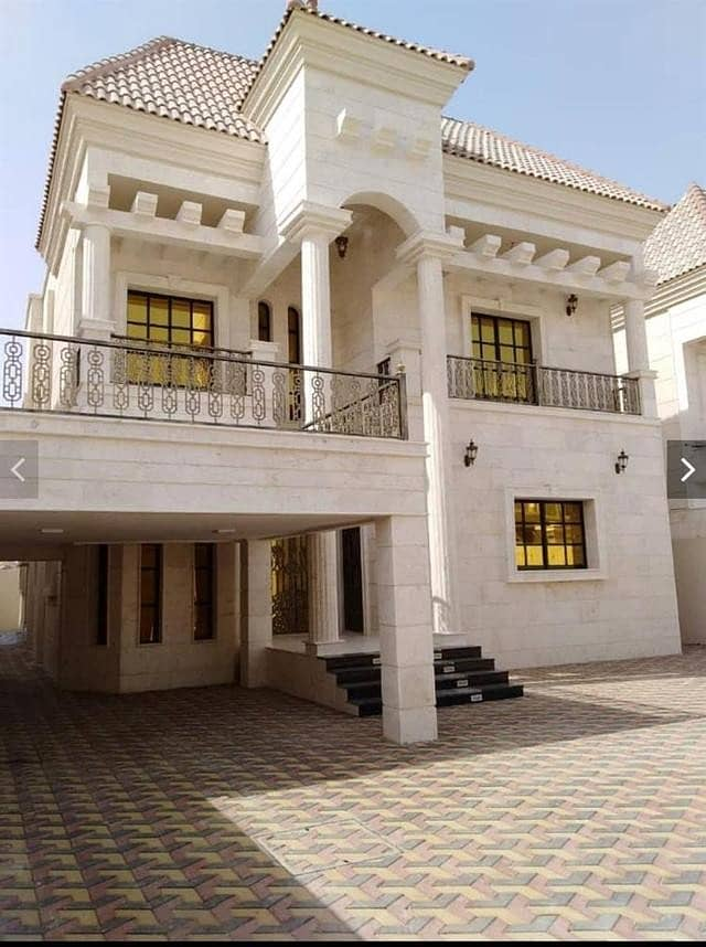 For sale an excellent villa finishing central air conditioning and a large building area