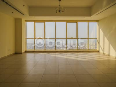 2 Bedroom Apartment for Rent in Business Bay, Dubai - Amazing Flat! 3BR MaidRm w/ Majestic View of Sheikh Zayed Road