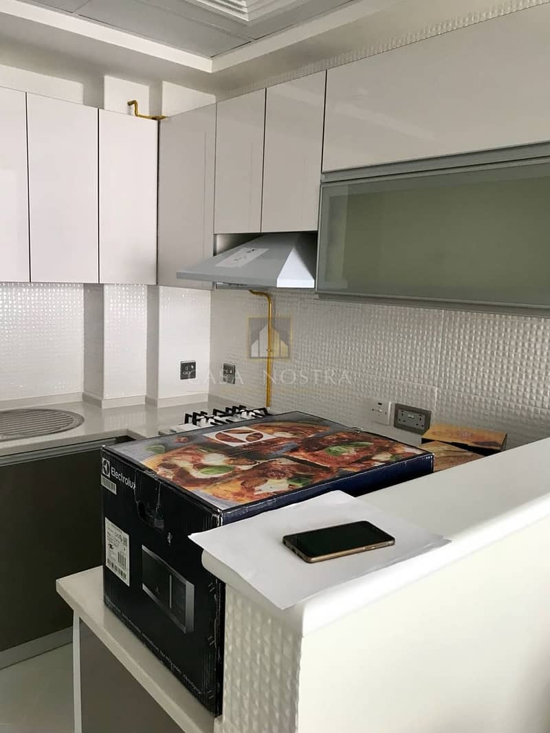 15 Pay 1% Vacant Brand New Furnished 3BR  with Balcony