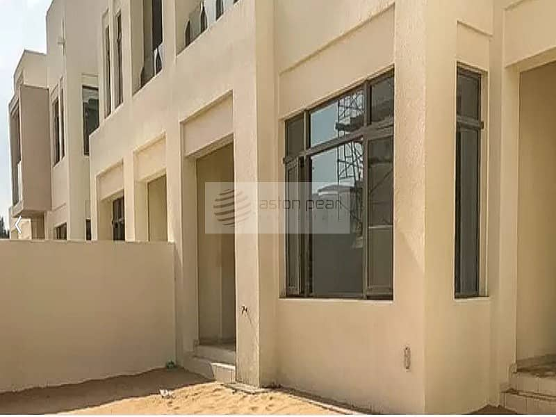 10 3 BR + M | Vacant Apartment | Mira Oasis