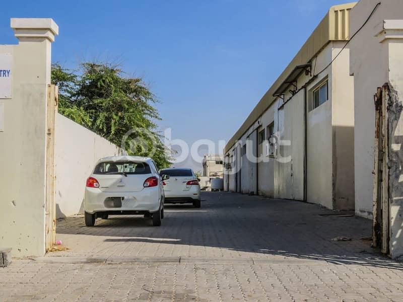 مستودع للاجار بأسعار منافسة في المنطقة الصناعية الحضارية الإماراتية ( أم الثعوب )