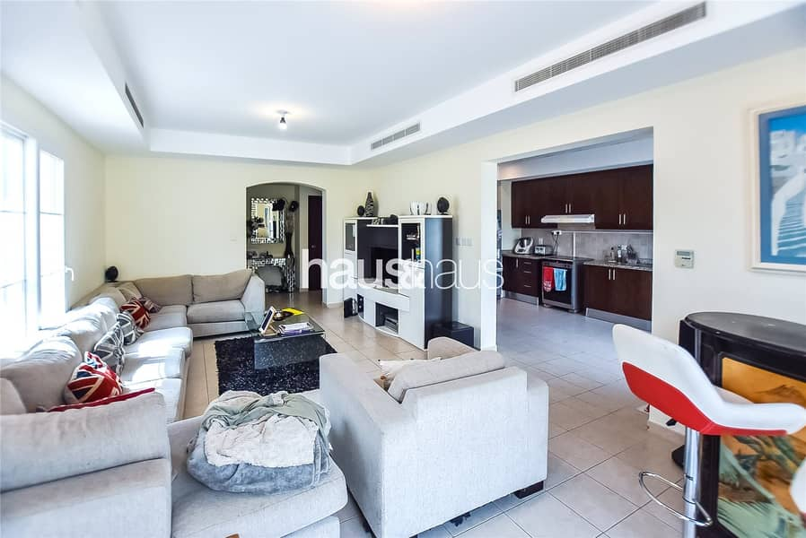 2 Alma   Opposite park and pool   Immaculate villa