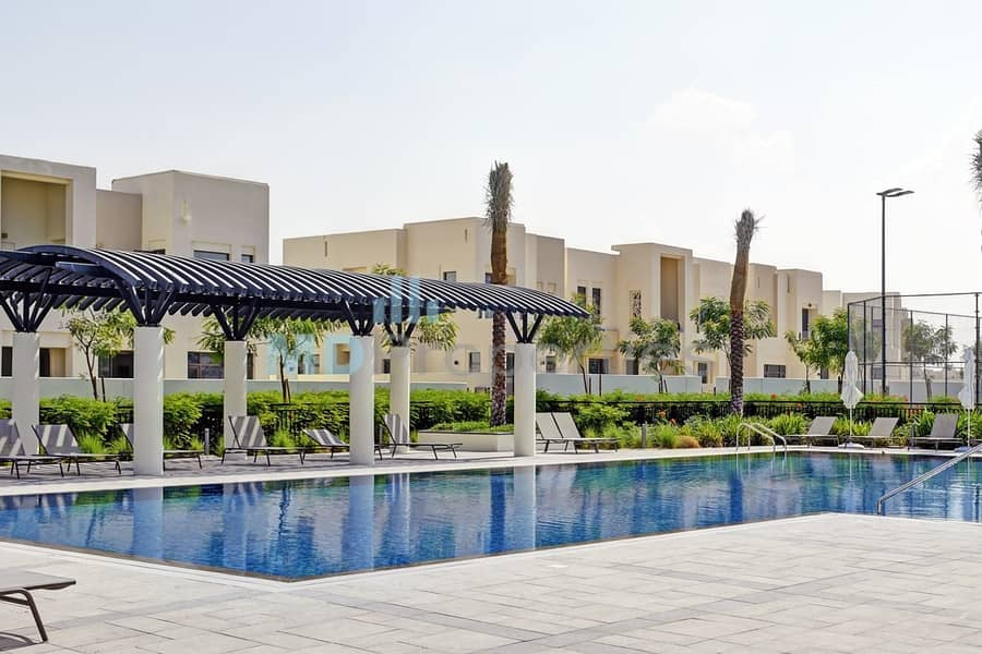 21 Ready Mira Oasis 1  Three Bedroom with Park Views
