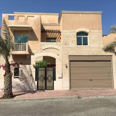 فیلا  للايجار في المشرف، أبوظبي - Upgraded villa on Mushrif Gardens Compound