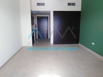 1 Bedroom Flat for Rent in Dubai Silicon Oasis, Dubai - Nice 1BHK+Pool+Gym+Parking Family Building
