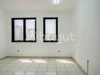 شقة في برج الجميرا شارع النجدة 1 غرف 50000 درهم - 3934580