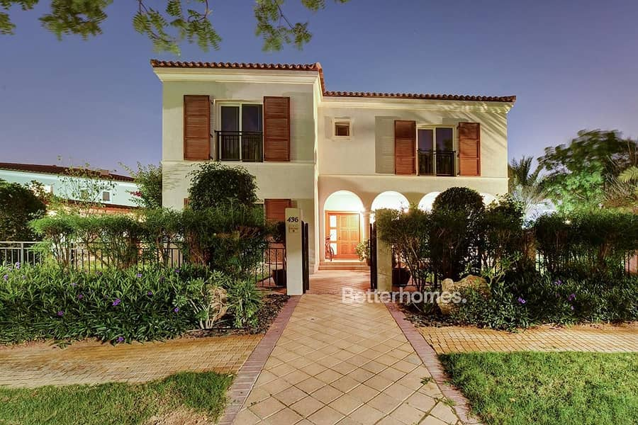 19 Backing on to The Park | VOT | Upgraded With Pool
