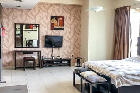 Vacant Now - Furnished Studio - Close to Beach