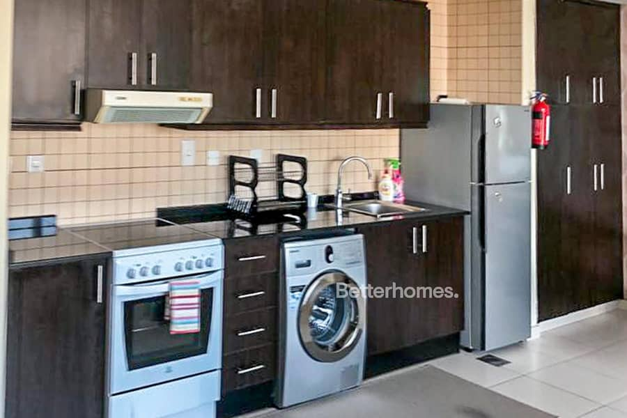 2 Vacant Now - Furnished Studio - Close to Beach