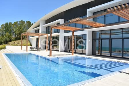6 Bedroom Villa for Sale in Nurai Island, Abu Dhabi - Six bedroom villa with private pool and beach. This is luxury.