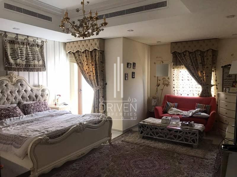 For Sale Huge 5 Beds Villa in Al Furjan.