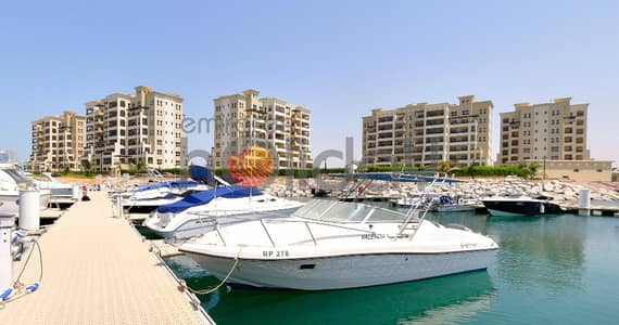 2 Bedroom Apartment for Sale in Al Hamra Village, Ras Al Khaimah - FOR SALE SPACIOUS 2 BED SEA AND MARINA VIEW FLAT