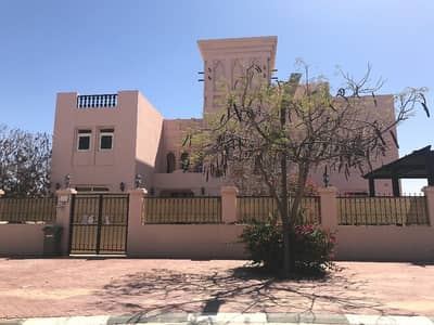 فیلا في فلل الحمراء فيليج C قرية الحمراء 5 غرف 170000 درهم - 3917961