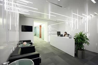 للايجار مكاتب مفروشة و جديدة في شارع الشيخ زايد. . جميع الخدمات مجانية !!