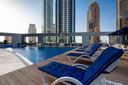 3 Bedroom Apartment for Rent in Dubai Marina, Dubai - 3 Bedroom Duplex facing a seaview with a large living room