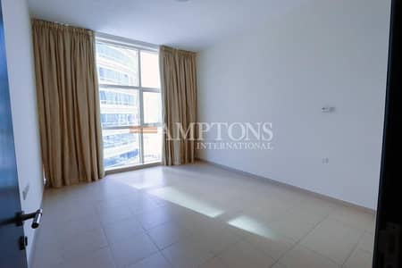 2 Bedroom Apartment for Sale in Dubai Marina, Dubai - Vacant Large 2BR Yacht Bay + Marina View