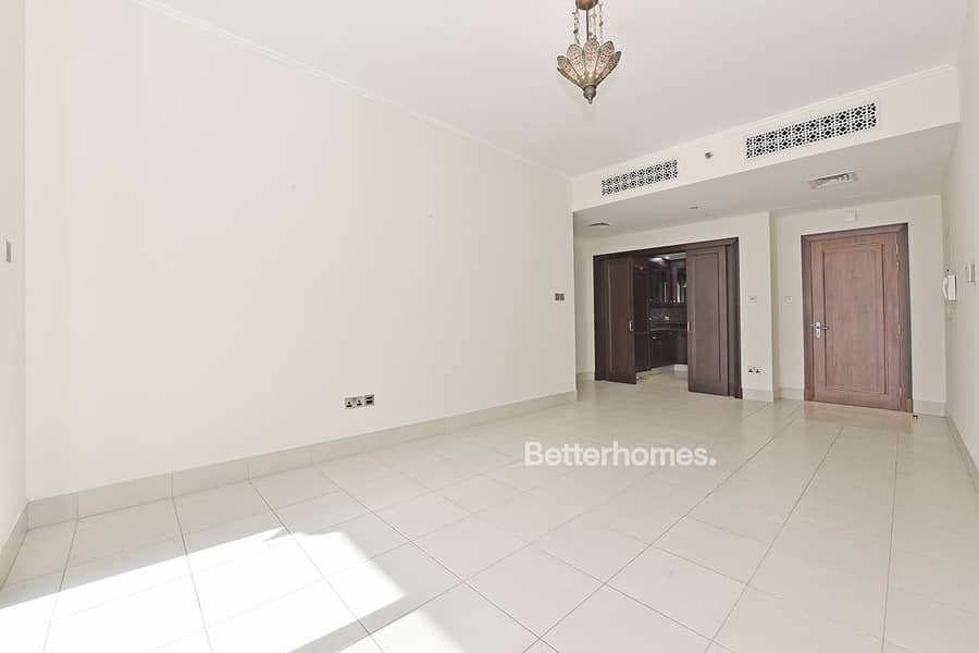 2 1BR with Balcony | Road View | Yansoon 5
