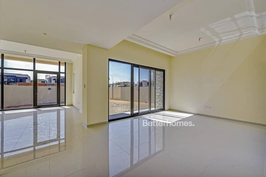 Single Row | Brand New | 4 Beds | Close to Pool
