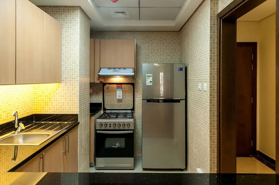 15 Lovely 1BR + Maid in Pantheon Boulevard