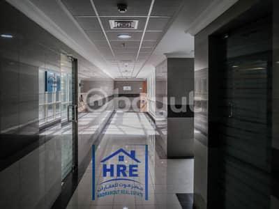 للايجار مكتب في الشارقه في مركز الغانم للاعمال