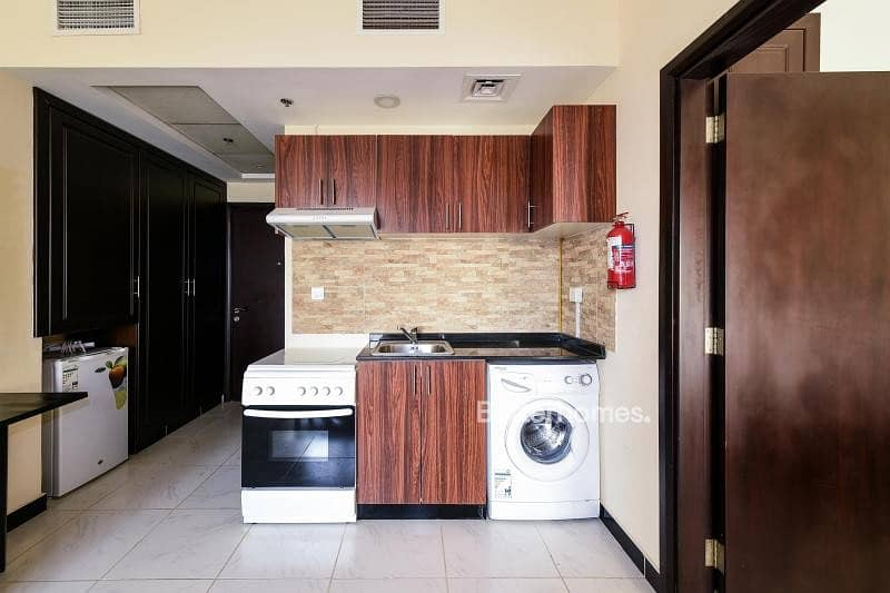 2 Vacant Furnished 1BR in Kensington Manor